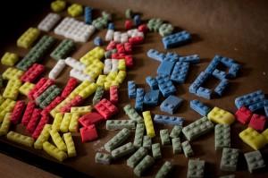 Lego-Torte - Lego-Steine aus Fondat vorbereiten
