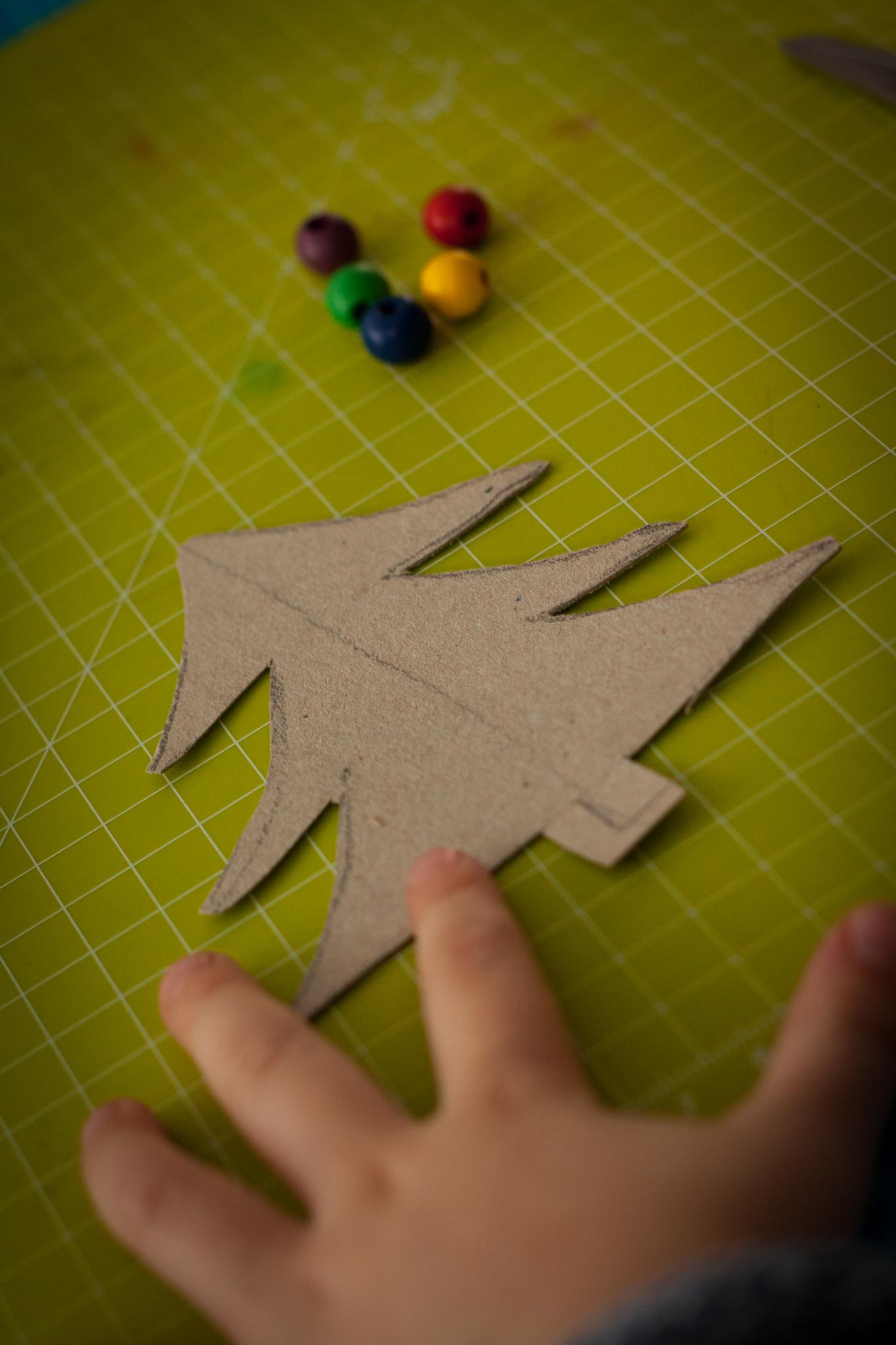 tannenbaum aus pappe und wolle basteln  unser kreativblog