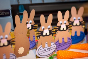 Osterhasenverpackung für Minigummibärchen-Beutel