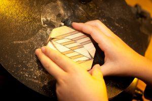Haarspange aus Holz selbst gebastelt